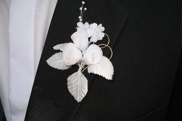 buttonhole-1133649_640