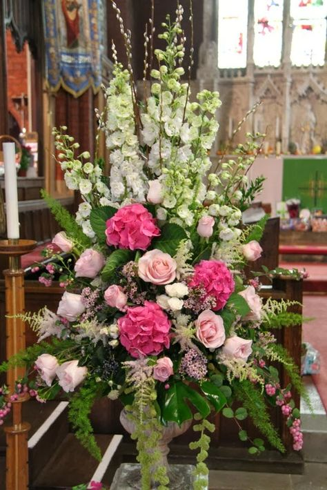 Good Looking Flowers Remark Your First Anniversary As Fabulously Precious.